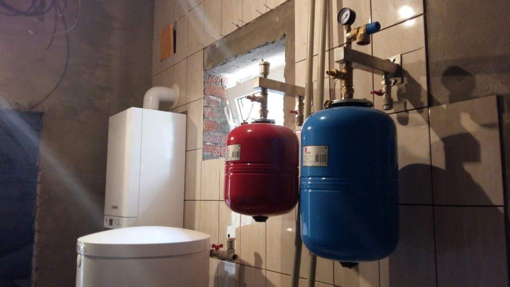 расширительный бак для водоснабжения в котельной
